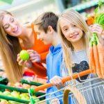 Nauka gospodarowania żywnością. Jak przekazać dzieciom pozytywne wzorce?