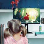 W jakich warunkach posadzić dziecko przed komputerem? Poznaj 4 złote zasady